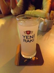 Raki en Tag Cafe & Bistro